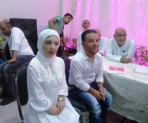 اقصر عروسين في مصر.. «أسماء وحسين» تحديا الإعاقة بالزواج في غرفة وصالة