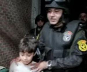 أول فيديو للحظة القبض على مختطفي طفل المحلة