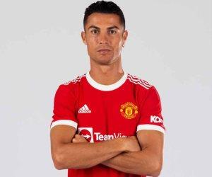 بعد غياب طويل.. كريستيانو رونالدو يعود ويظهر بقميص مانشستر يونايتد
