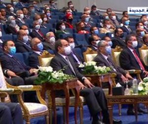 """الرئيس السيسي: """"عايزين جهد أكبر عشان نحقق الـ 100 مليار لصندوق تحيا مصر"""""""