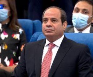 الرئيس السيسى يشاهد فيديوجراف عن الحوكمة وإصلاح الجهاز الإدارى للدولة