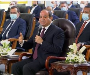 الرئيس السيسي للمواطنين: «احلموا معايا.. ليه راضيين بقالب طوب تحطوه وخلاص»