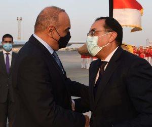 رئيس الوزراء يستقبل نظيره الأردنى بمطار القاهرة