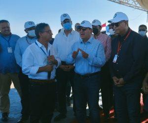 باستثمارات مليار جنيه.. وزير البترول يضع حجر الأساس لمحطة معالجة الحمد البرية