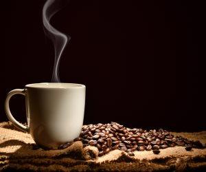 أبرزها القهوة والطعام الحار ..  ابتعد عن تناول هذه الأشياء علي معدة فارغة