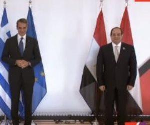 الرئيس السيسى يلتقط صورة تذكارية مع رئيس قبرص ورئيس وزراء اليونان قبل القمة