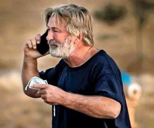 أحد مصوري فيلم Rust للمحقيين: أليك بالدوين كان حريصا فى استخدام الأسلحة قبل أن يطلق النار بالخطأ