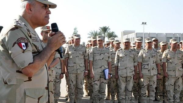 «صبحي» يطالب حرس الحدود بتنفيذ مهامهم بإخلاص