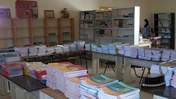 مصادر: تسليم 90 ألف كتاب لغات لتوزيعها على المدارس
