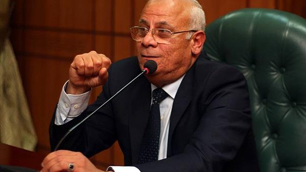 محافظ بورسعيد: مشروع «إسكان الامارات» آمن تماما