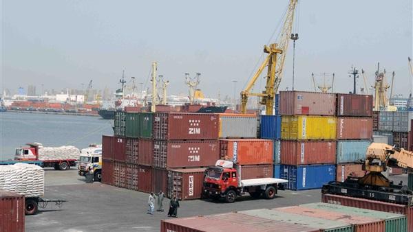 بسبب الرياح.. إغلاق مينائين بالإسكندرية أمام الملاحة