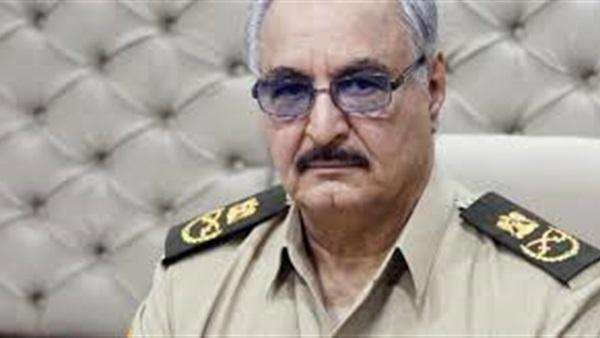 قائد الجيش الليبي يصل القاهرة على متن طائرة خاصة