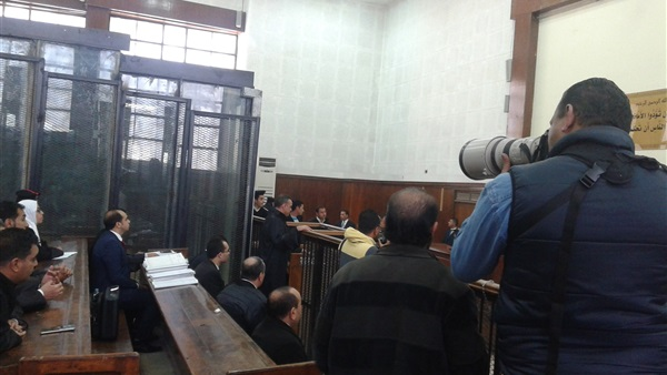 مشادة كلامية بين قاضي التحقيق ودفاع «العادلي»