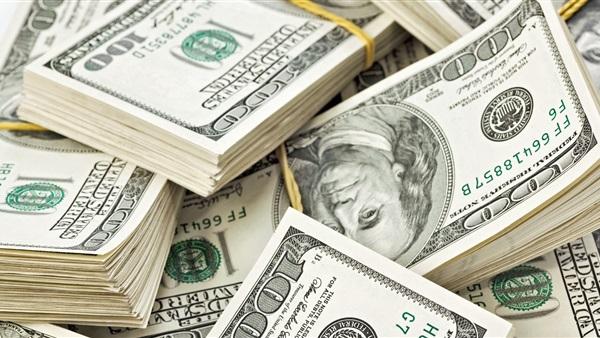 خبراء يجيبون على السؤال الصعب: لماذا لا تنخفض الأسعار رغم هبوط الدولار؟